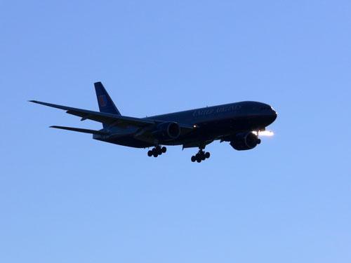 アプローチ中の United Airline